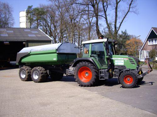 Tractor met 10 m³ kiper